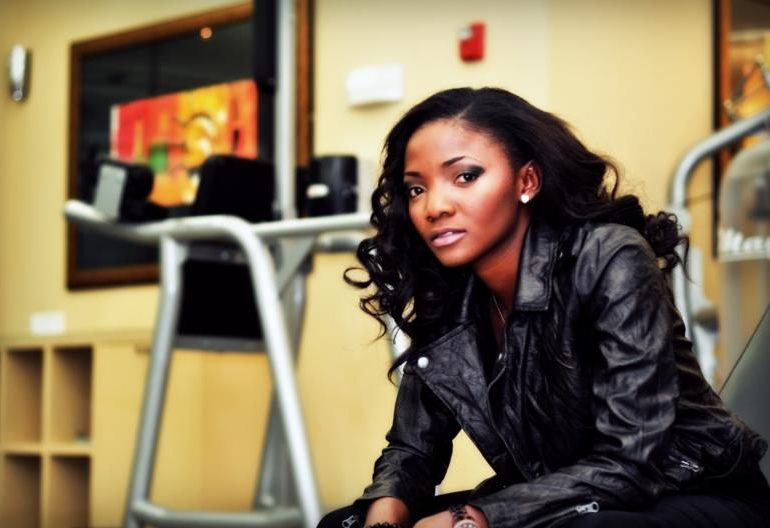 Simi blasts critics of her fashion | TheCable.ng