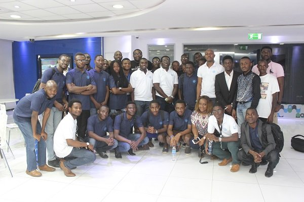 young-software-developers-with-ibm-tutors-ibm-cognihack-lagos-2016