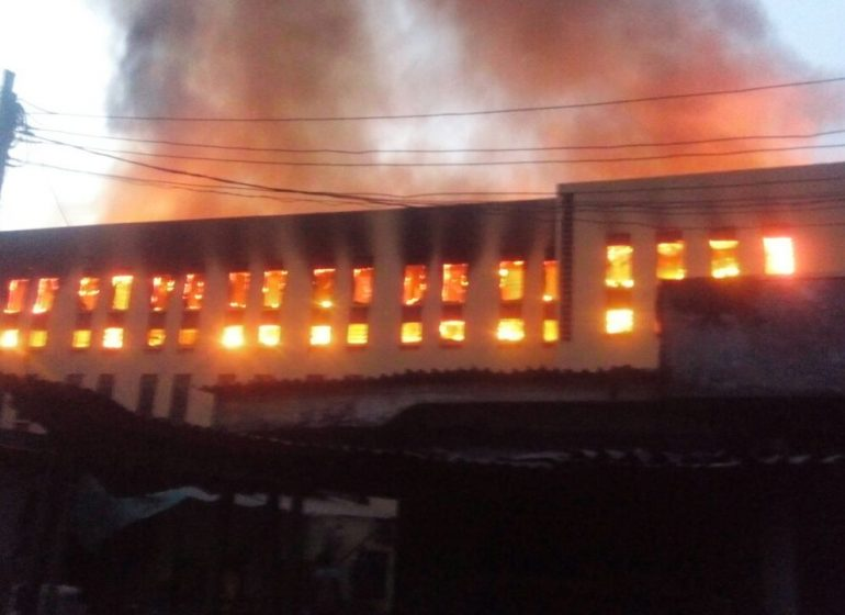 Fire razes hostel in Yabatech, Lagos | TheCable Lifestyle