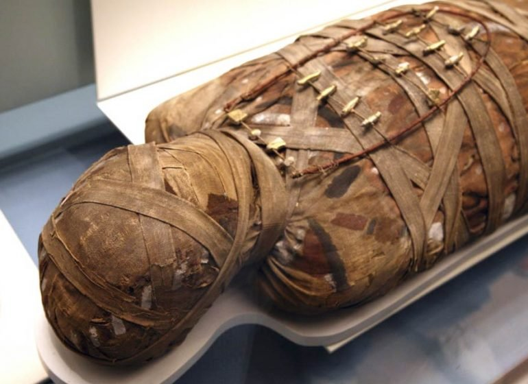 1000-year old mummy found in Egypt tomb