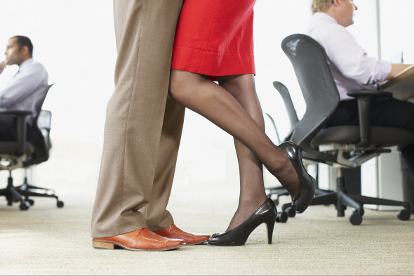 office-romance2