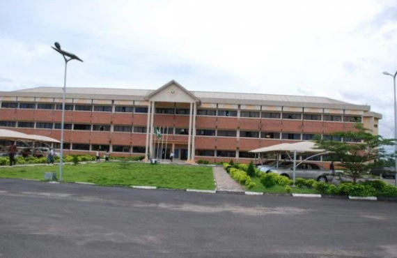 UNIOSUN students protest late registration fee