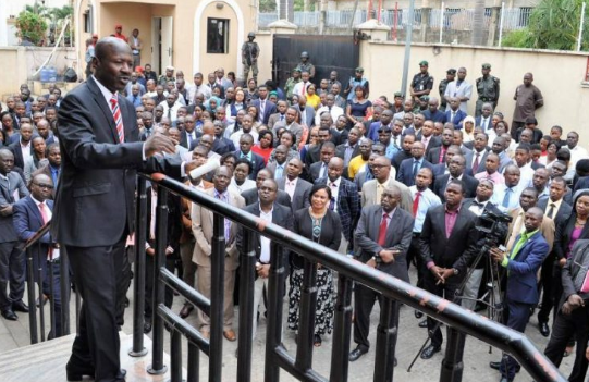 EFCC takes anti-corruption war to universities | TheCable.ng