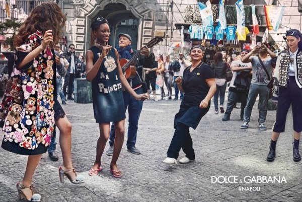 dolce-gabbanas-fallwinter-2016-campaign-photographed-on-location-in-naples-italy-2