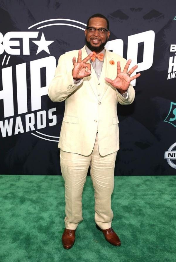 BET Hip-Hop Awards 2017100617-shows-hha-2017-red-carpet-Uncle-Luke