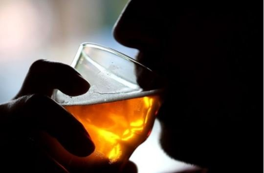 Alcohol 'damages DNA and increases cancer risk', study says | TheCable.ng