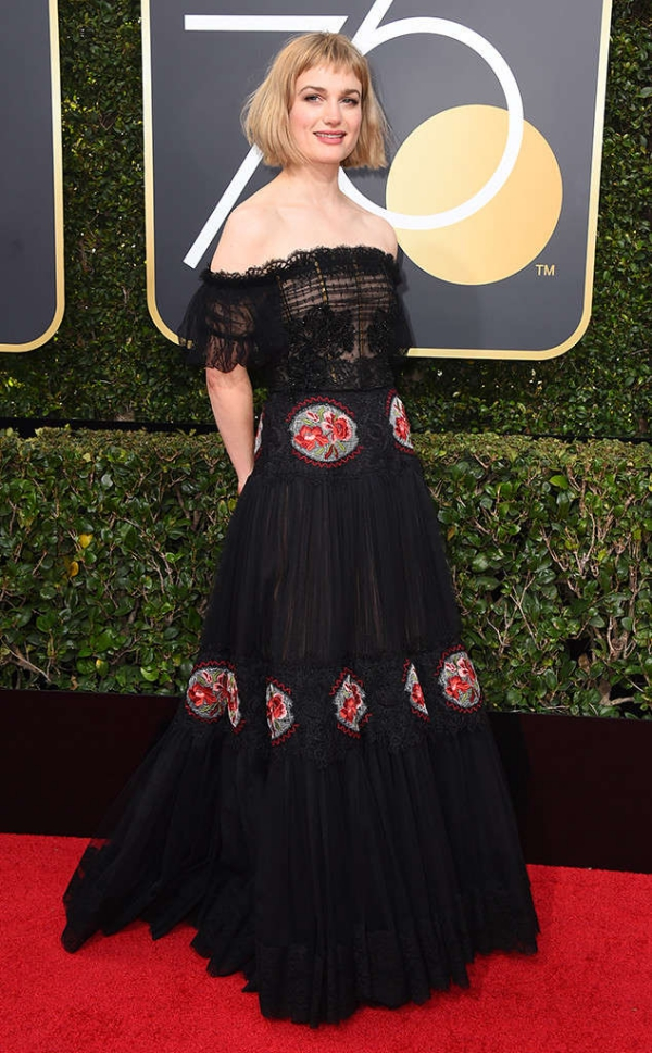 rs_634x1024-180107144344-634-red-carpet-fashion-2018-golden-globe-awards-alison-sudol.ct.010718.