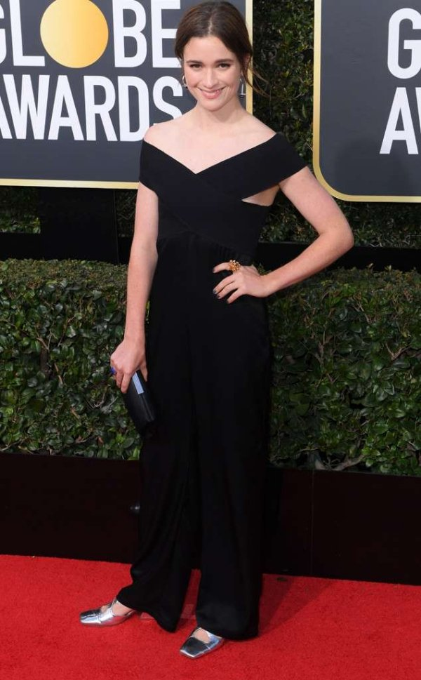rs_634x1024-180107145306-634-red-carpet-fashion-2018-golden-globe-awards-Alice-Englert.