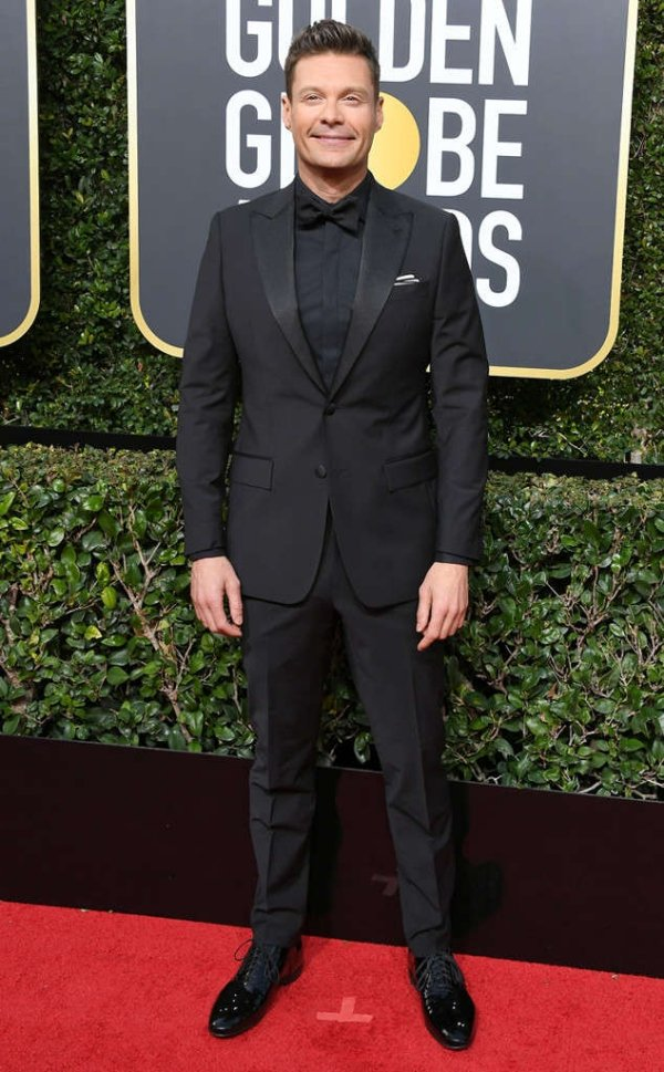 rs_634x1024-180107150343-634-ryan-seacrest-carpet-fashion-2018-golden-globe-awards.
