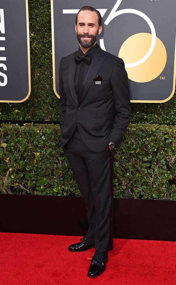 rs_634x1024-180107150639-634-red-carpet-fashion-2018-golden-globe-awards-joseph-fiennes.ct.010718.