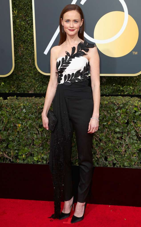 rs_634x1024-180107151555-634-red-carpet-fashion-2018-golden-globe-awards-alesix-bledel.