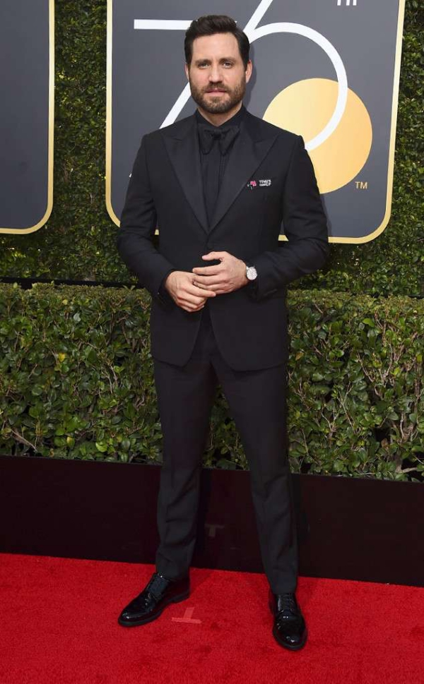 rs_634x1024-180107152006-634-red-carpet-fashion-2018-golden-globe-awards-edgar-ramirez.
