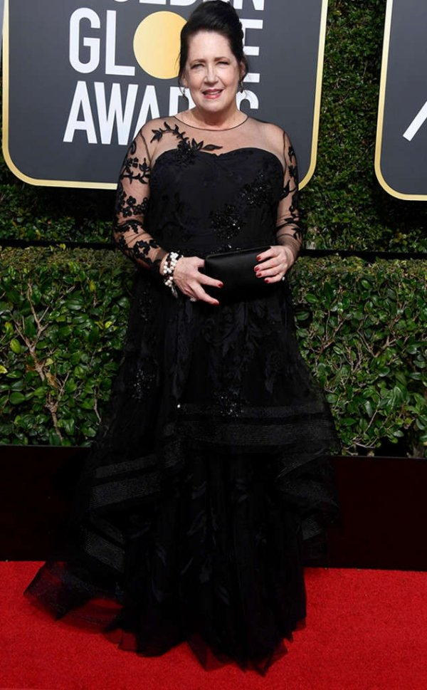 rs_634x1024-180107153213-634-ann-dowd-red-carpet-fashion-2018-golden-globe-awards-.