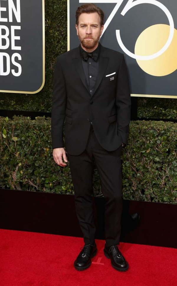rs_634x1024-180107154950-634-ewan-mcgregor-red-carpet-fashion-2018-golden-globe-awards-.