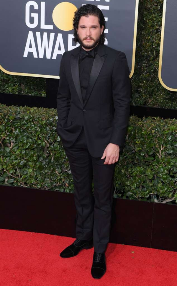 rs_634x1024-180107160140-634-red-carpet-fashion-2018-golden-globe-awards-kit-harington.