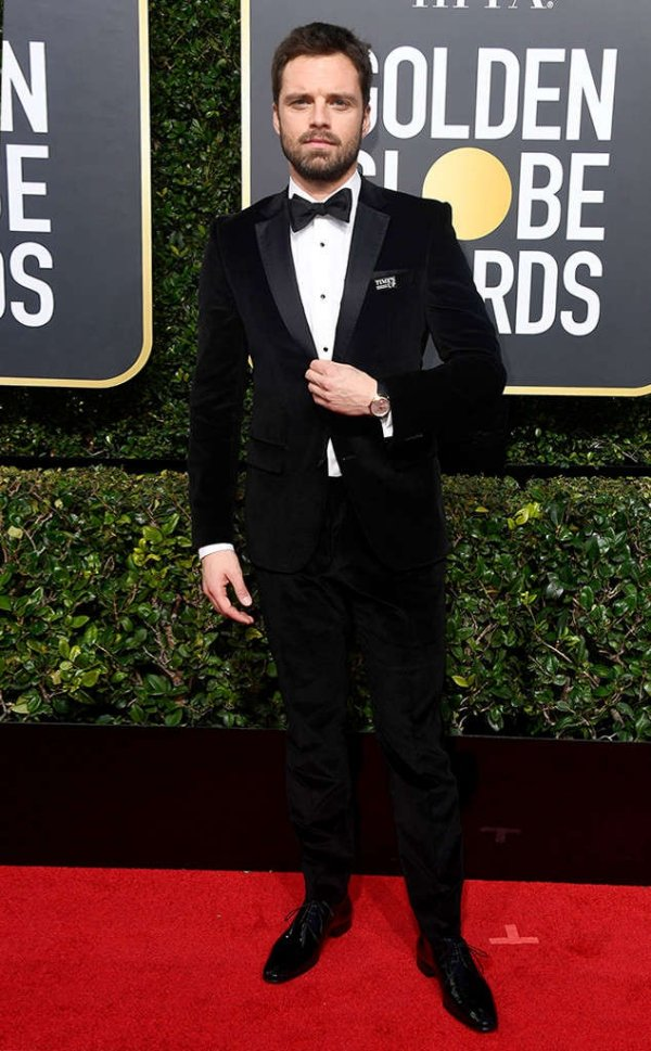 rs_634x1024-180107160638-634-sebastian-stan-red-carpet-fashion-2018-golden-globe-awards-.