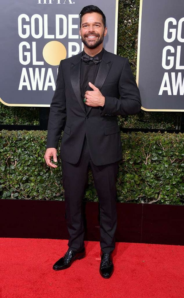 rs_634x1024-180107161339-634-red-carpet-fashion-2018-golden-globe-awards-ricky-martin.ct.010718.