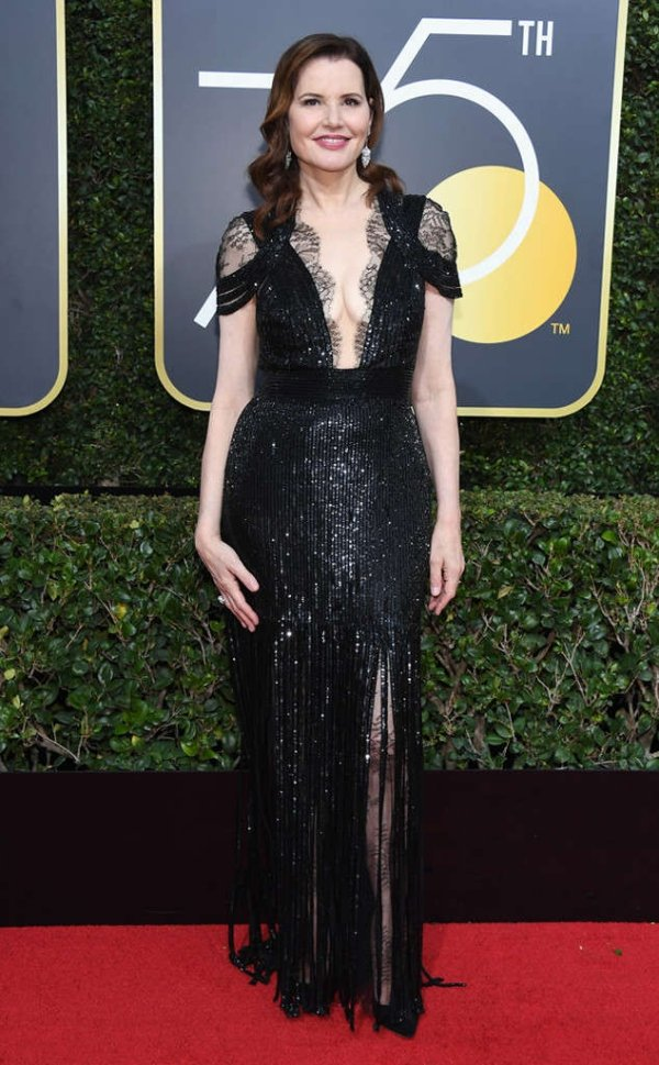 rs_634x1024-180107164443-634-red-carpet-fashion-2018-golden-globe-awards-geena-davis.