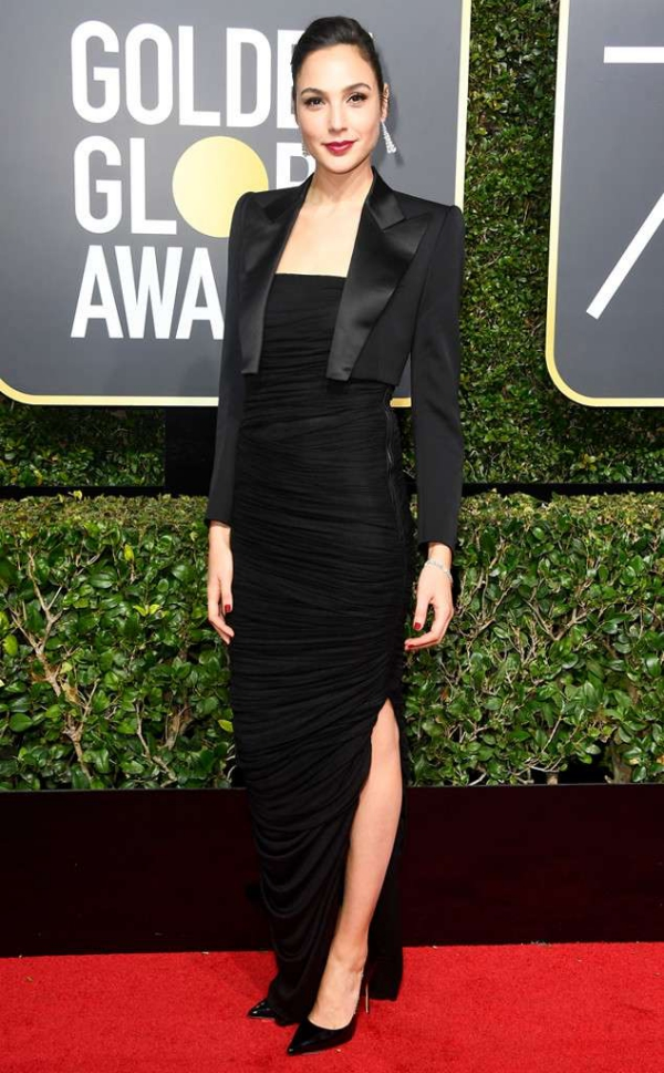 rs_634x1024-180107164918-634-red-carpet-fashion-2018-golden-globe-awards-gal-gadot-2.