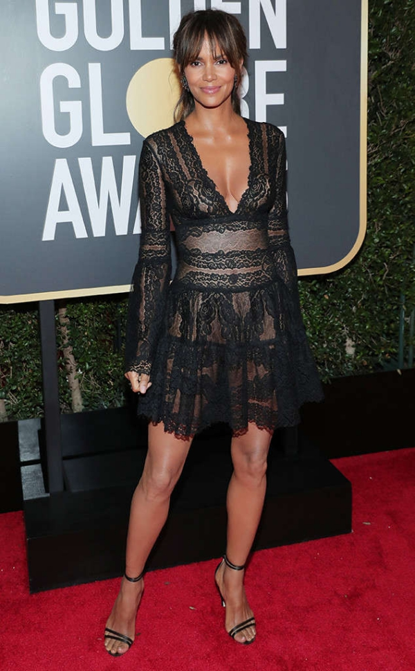 rs_634x1024-180107165529-634-2-halle-berry-red-carpet-fashion-2018-golden-globe-awards-.