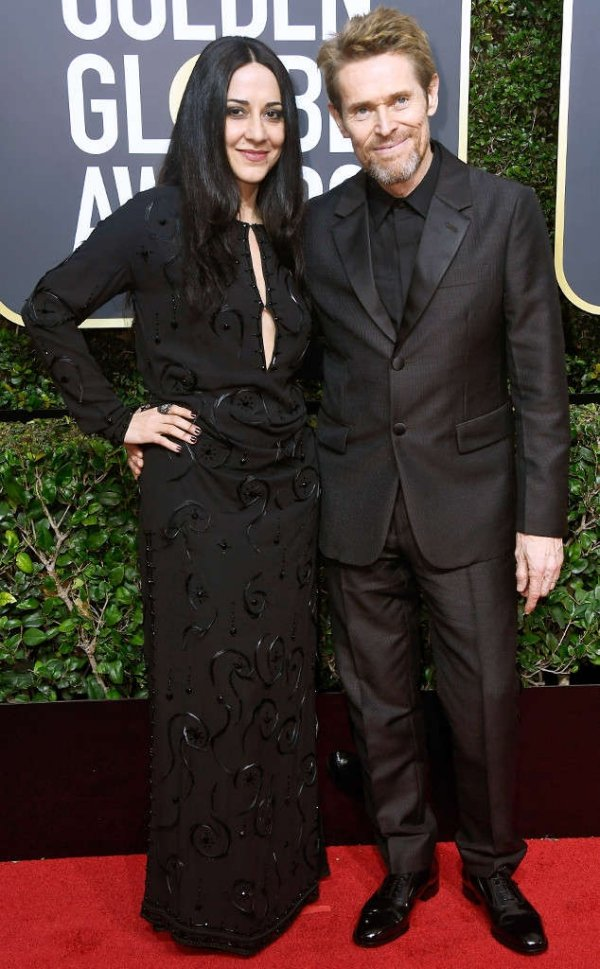 rs_634x1024-180107185738-634.Willem-Dafoe-Giada-Colagrande-Golden-Globes.ms.010718.