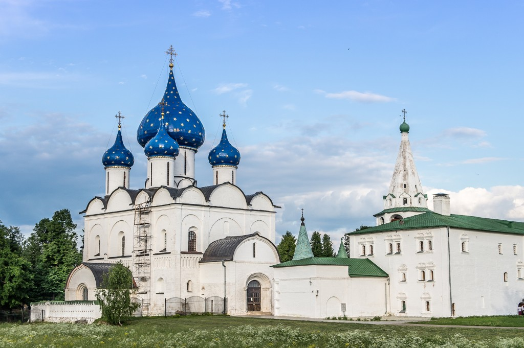 Cathedral-of-Nativity-in-Suzdal-Kremlin-in-Russia