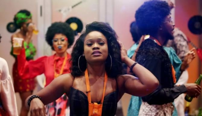 VIDEO: BBNaija star Cee-C mobbed at airport | TheCable.ng