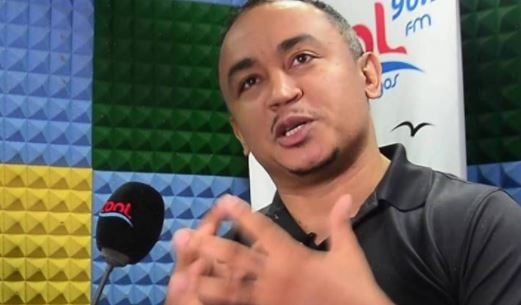 Daddy Freeze slams Chimamanda Adichie over Hillary Clinton 'wife' comment   TheCable.ng