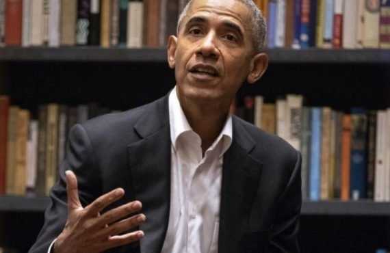 Obama recommends 'Things Fall Apart', 'Americanah' for summer reading
